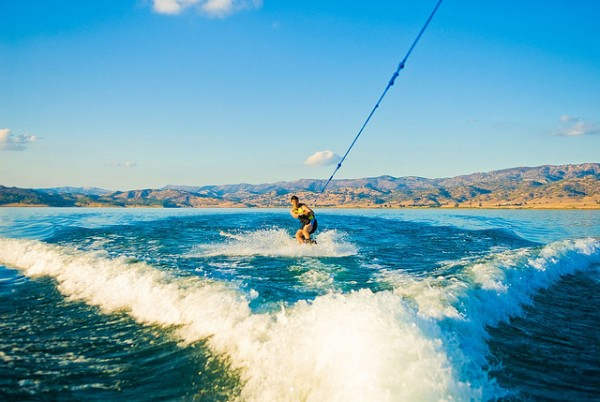 Wake boarding, ©star5112/Flickr