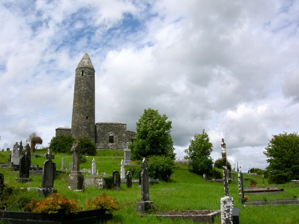 Turlough Church and Roundtower, ©IrishFireside/Flickr
