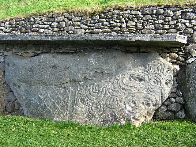 Top heritage sites in brú na bóinne art tombs and