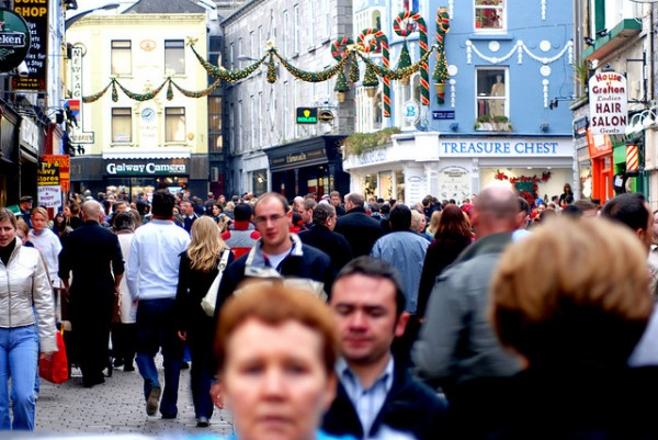 Christmas Shoppers- Galway, ©Conor Lawless/Flickr