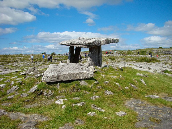 Poulnabrone Dolmen in Burren National Park, ©Shadowgate/Flickr